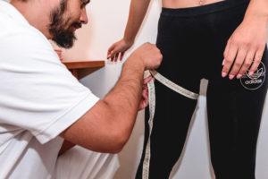 Gambe gonfie-ritenzione idrica-grassi-obesità-cellulite-Prof. Carmelo Giuffrida-Catania
